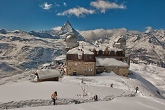Welcome to the Gornergrat. A view of the Matterhorn.  Winter paradise. No. 4290. (Izakigur) Tags: suizo swiss svizzera سويسرا laventuresuisse lepetitprince myswitzerland landscape alps alpes alpen zermatt matterhorn cervin cervino switzerland schwyz suïssa ch lasuisse musictomyeyes nikkor nikon helvetia liberty izakigur flickr feel europe europa dieschweiz topf25 100faves 200faves 250faves 500faves 750faves