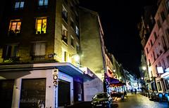 La nuit rue Mouffetard à Paris (louis.labbez) Tags: france paris labbez ombre nuit lampadaire night illumination house street couleur colour window pavé éclairage fenêtre iledefrance building maison rue ville town