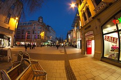7D__2357 (Tyrone Williams) Tags: cardiff samyang8mm 8mm canon canon7d street wideangle architecture people insight shoppers capital wales 2017 winter