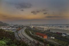 aparcamiento de camiones (clover2500) Tags: santurtzi amanecer puerto