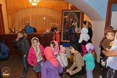 05. Humanitarian assistance for refugees at Svyatogorsk Lavra / Раздача гуманитарной помощи беженцам Лавры