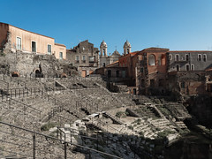 2015.11 - Catania, Sicilia, Italy (rambles_pl) Tags: catania sicily italy blue bluesky city old oldtown ruins architecture building buildings