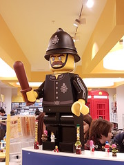 20170119_144916 (COUNTZERO1971) Tags: lego london legostore leicestersquare toys buildingblocks brickculture