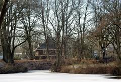 Blauwkapel (bcbvisser13) Tags: gracht water vijver landschap bomen dorp plaats huis cottage blauwkapel gemutrecht provutrecht nederland eu