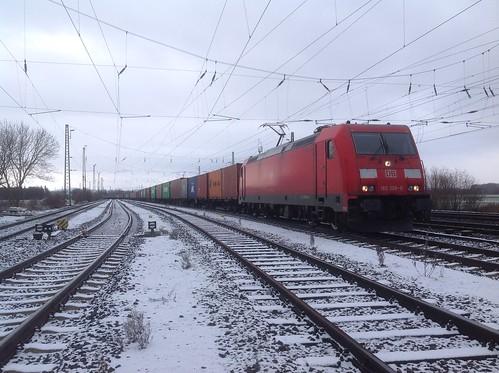 185 306-8 vor DB Cargo 50756 in Wabern