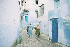 Chefchaouen (swerveyifan) Tags: chefchaouen contax t2 portra160 morroco africa blue city