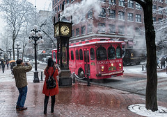 Steam clock in Gastown (isagag39) Tags: olympictorch gasetown canadaplace