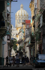 View along Calle Aguacate, Havana, Cuba (JH_1982) Tags: view calle aguacate crowded busy buildings architecture historic street avenue city center centre urban urbanity vieja old town oldtown altstadt museo de la revolucion museum revolution habana havana havanna havane lavana 哈瓦那 ハバナ 아바나 гавана hawana हवाना هافانا הוואנה cuba kuba 古巴キューバ 쿠바 куба क्यूबा كوبا