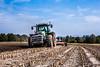 Im Umbruch (Fotos aus OWL) Tags: pflug umbrechen acker umbruch bulldog schlepper tractor traktor landwirtschaft fendt pflügen
