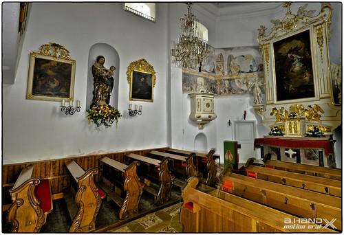 Gmunden - Innenansicht der Schloßkapelle Ort