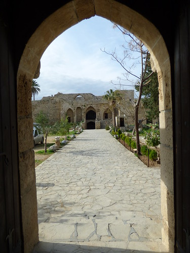 Girne - castle courtyard (3)