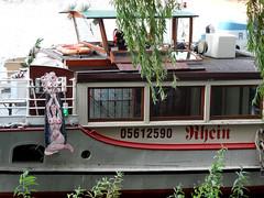 Warum ist es am Rhein so schön...? (onnola) Tags: berlin deutschland germany boot schiff dampfer ausflug ausgemustert boat kreuzberg guessedberlin gwbbergfels