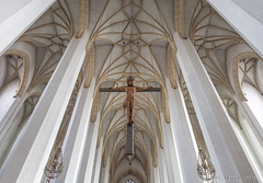 Jezus Christus (Pieter Musterd) Tags: church canon germany münchen deutschland canon5d kerk kruis muncher musterd jezuschristus pietermusterd 5dmarkii pmusterdziggonl munchenerdom