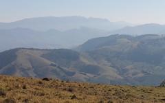 Cadeia de montanhas em Minas Gerais (Vinicius Montgomery) Tags: montgomery vincius prof pedra branca pedro itajub pedralva
