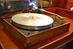 """VINTAGE AR ACOUSTIC RESEARCH TURNTABLE. • <a style=""""font-size:0.8em;"""" href=""""http://www.flickr.com/photos/51721355@N02/21421361363/"""" target=""""_blank"""">View on Flickr</a>"""