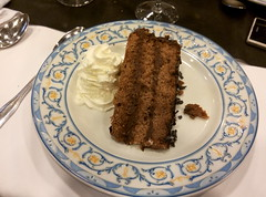 Zaragoza   Palacio la Aljafera   Tarta de chocolate (moverelbigote) Tags: restaurant la comida restaurante zaragoza eat arabe castillo cafetera comidas palacio musulman aljafera palaciodelaalfajera moverelbigote palaciolaalfajera