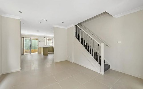 8/10 Canberra Street, Oxley Park NSW 2760