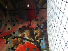 Markthal (Pedro Valadares) Tags: rotterdam holanda nederland netherlands markthal arquitetura architecture mercado market pintura arte art painting vidro glass vidraça pane mvrdv