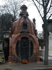Cimetière de Montmartre (carolemason) Tags: paris tomb cimetièredemontmartre