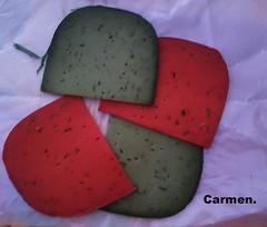 QUESOS,VERDE ALBAHACA,ROJO TOMATE SECO Y PISTO. (Carmen Cordero Olivares.) Tags: verde rojo carmen quesos albahaca tomatesecoypisto