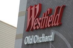 Old Orchard Sign (niureitman) Tags: sign mall illinois december oldorchard skokie 2015 skokieillinois december2015