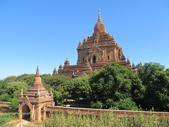 "Old Bagan: le temple Htilominlo <a style=""margin-left:10px; font-size:0.8em;"" href=""http://www.flickr.com/photos/127723101@N04/23253959706/"" target=""_blank"">@flickr</a>"