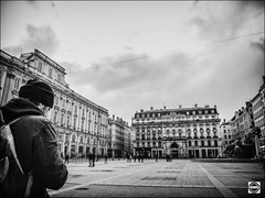 Place des Terreaux, ct Sane (nobru2607) Tags: lyon 28mm streetphotography nb ricoh bwphotography grd3 grdiii