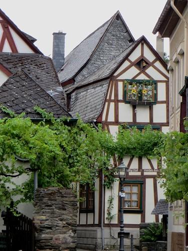 Dans les rues du village, Bacharach, landkreis Mainz-Bingen, Rhénanie-Palatinat, Allemagne.