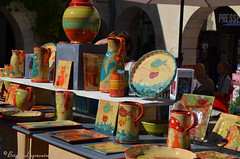 "Expo tout en couleurs (Brigitte .. . ""Tatie Clic"") Tags: 2015092051 poterie exposition artisanat mtiersdart objet objetdart artistique stand couleurs ftedevillage assiettes pots cruches plats vaisselle dcoration artisanal chromatique multicolore septembre"