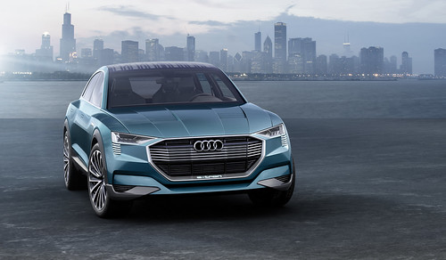 "Audi e-tron quattro concept <a style=""margin-left:10px; font-size:0.8em;"" href=""http://www.flickr.com/photos/128385163@N04/21245538820/"" target=""_blank"">@flickr</a>"