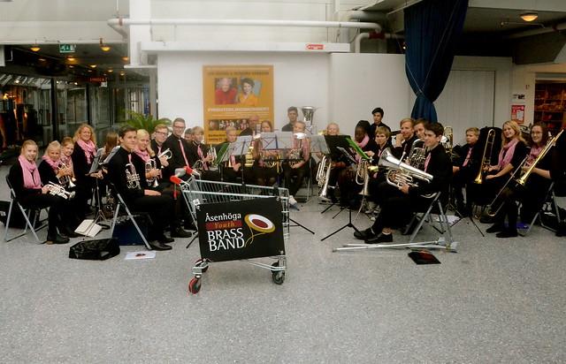 Konsert i Knarviks köpcentrum