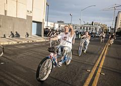 thumbs up (Michael Brooking Photography) Tags: street bike bicycle leg thumb amputee stocktoncalifornia michaelbrookingphotography