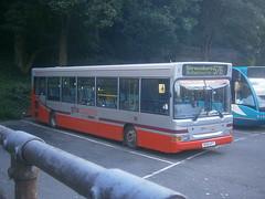 SB41 @ Shrewsbury (ianjpoole) Tags: 2 bus station pointer shrewsbury dennis dart coaches slf plaxton gha sb41 sk52utt