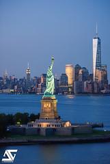Freedom (A.G. Photographe) Tags: nyc usa ny newyork nikon manhattan ag empirestatebuilding chryslerbuilding nikkor lowermanhattan libertyisland anto xiii d810 oneworldtradecenter antoxiii 70200vrii agphotographe