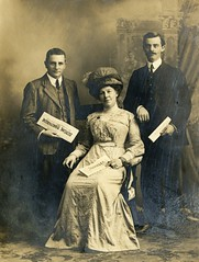 Unknown women and two men, c.1914.