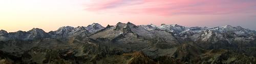 Aube sur les Pyrénées.