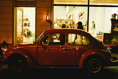 Kfer (_Klickwurm_) Tags: city red fall film look car vw night analog vintage shopping deutschland europa nacht german sachsen nightlife kfer romantica 2015 bautzen klickwurm maxjjni