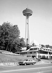 Skylon Tower, Niagara 1970 (Gillian Everett) Tags: usa ontario canada niagarafalls niagara 1970 skylon skylontower
