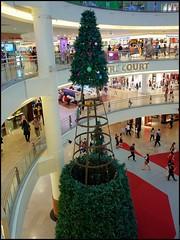 151201 Mid Valley 7 (Haris Abdul Rahman) Tags: decorations gardens malaysia shoppingmall kualalumpur ricohgr midvalleymegamall wilayahpersekutuankualalumpur harisabdulrahman harisrahmancom xmas2015 fotobyhariscom