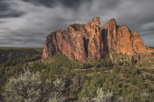 www.boulderingonline.pl Rock climbing and bouldering pictures and news Smith Rock, Overcast Motion Blur