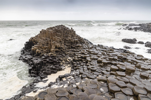 Giant's Causeway: Wishing Chair with waves