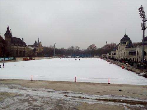 Pista de patinação em Budapeste