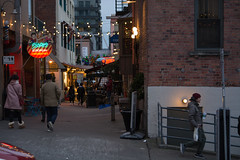 seattle's alleys 1 (Moh Hadi) Tags: photography fineart streetphotography seattle pikeplace people promottravel