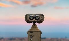 Desenfocado y sorprendente (Ibai Acevedo) Tags: revisar places binoculars prismaticos view vista color sunset puesta bcn barcelona blur future futuro desenfocado sorprendente walle