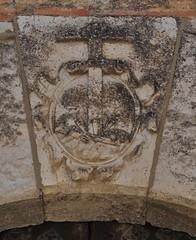 Astudillo (Palencia). Escudo (santi abella) Tags: españa palencia castillayleón escudos heráldica astudillo
