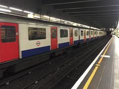 IMG_3521.jpg (matipl) Tags: uk england london underground subway unitedkingdom tracks gb undergroundstation subwaytrain