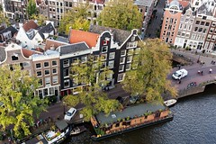 Prinsengracht, Amsterdam. (parnas) Tags: street amsterdam nederland streetphotography canals prinsengracht grachten westertoren westerkerk