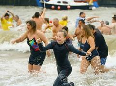 FNK_3528 (Graham Ó Síodhacháin) Tags: vikingbaynewyearsdayswim 2017 vikingbay dip swim broadstairs