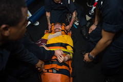 170119-N-VN584-220 (U.S. Pacific Fleet) Tags: usstheodoreroosevelt cvn71 vn584 alex corona medical drill medicaldrill emergency hospitalcorpsman hm wound triage reevessleeve firstaid