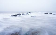 Rising tide (Fab Boone Photo) Tags: sea seascapes waves close nikon landscape tripod photography december north mer du nord extérieur fabienboone fabboone